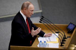 """Putin per sempre, la Duma s'inginocchia: """"La Russia ha esaurito la sua quota di rivoluzioni"""""""