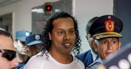 Ronaldinho, 40° compleanno in carcere: ecco i due regali che ha ricevuto