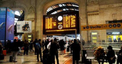 Coronavirus, passeggeri bloccati alla stazione centrale di Milano: stavano partendo per il Sud
