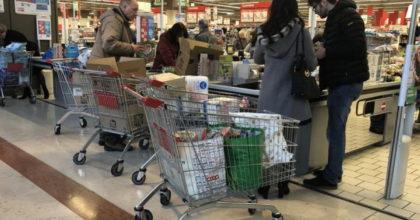 Coronavirus morta cassiera a Brescia: supermercato chiuso
