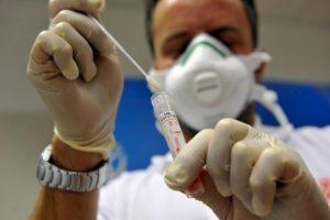 Coronavirus, la Roche dona gratis il farmaco anti-artrite a tutti gli ospedali