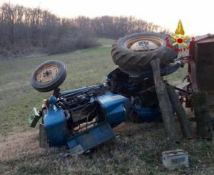 Gesturi (Sud Sardegna), ragazzo di 15 anni finisce in un dirupo col trattore e muore