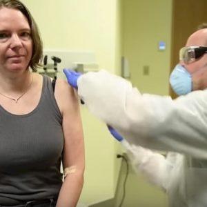 Coronavirus, parte la sperimentazione del vaccino a Seattle (Usa): prima dose ad una volontaria VIDEO