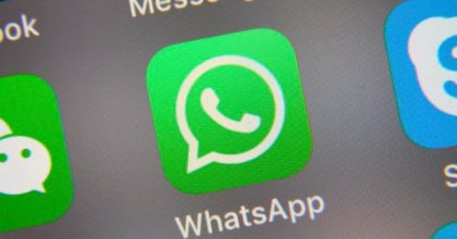 """Coronavirus, picco di videochiamate su WhatsApp e Facebook. Zuckerberg: """"Lavoriamo per evitare problemi"""""""