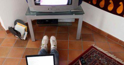 Coronavirus, vita da recluso: solo per gli spot tv tutto come prima