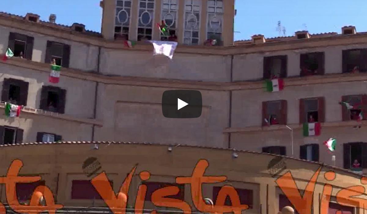 25 aprile col coronavirus: a Roma suona Bella Ciao dai balconi VIDEO
