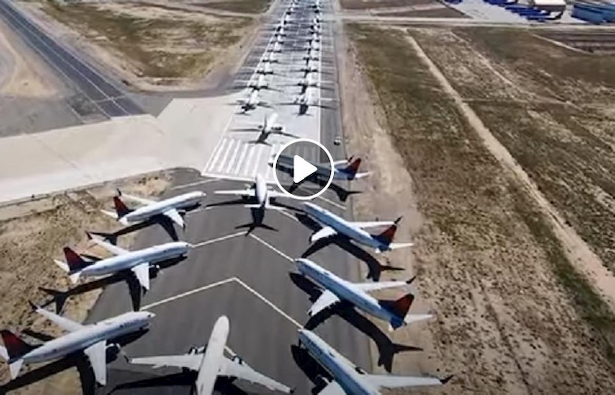 aerei parcheggiati coronavirus