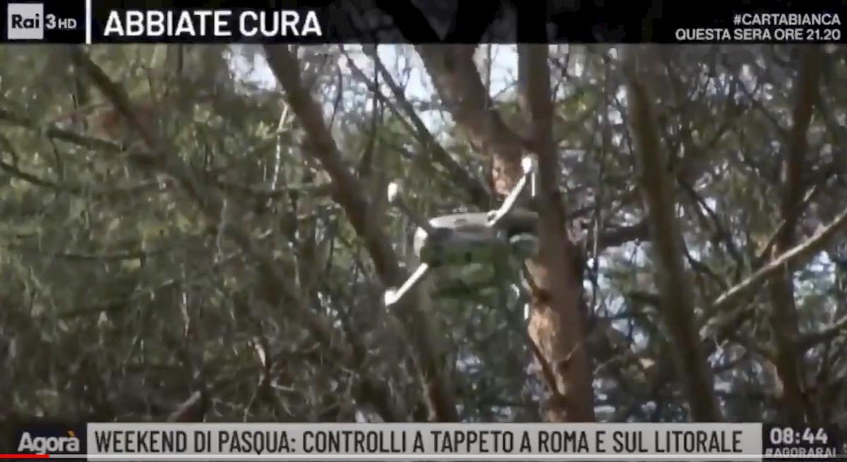 Coronavirus, inseguimento col drone e Cavalcata delle Valchirie in onda su Agorà VIDEO