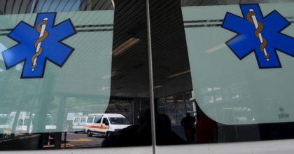 Sesto San Giovanni, ambulanza viene tamponata da auto che si ribalta: 5 contusi