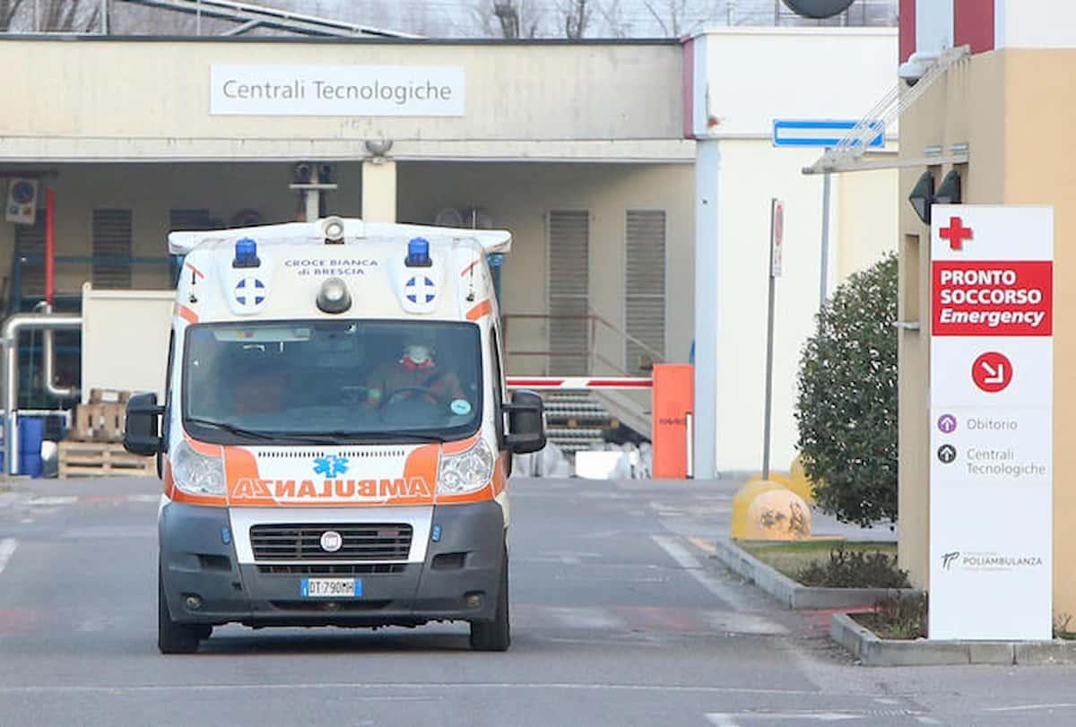 Rimini, paziente positivo tenta la fuga due volte poi minaccia gli infermieri
