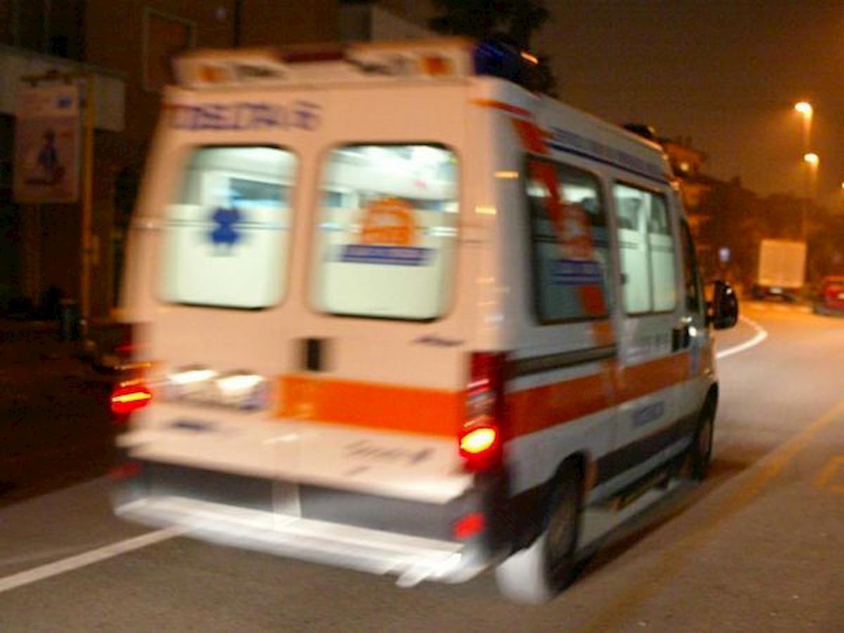 Salerno, 13enne precipita dal settimo piano di un palazzo e muore