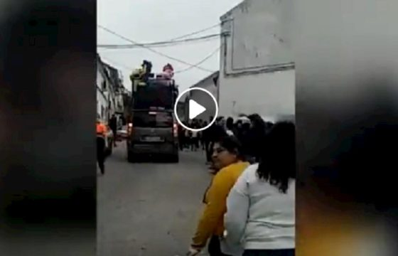 Paese in Andalusia viola quarantena e festeggia in strada