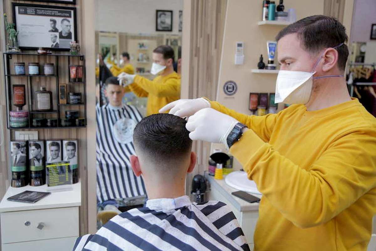 barbiere, fase 2 convivenza virus