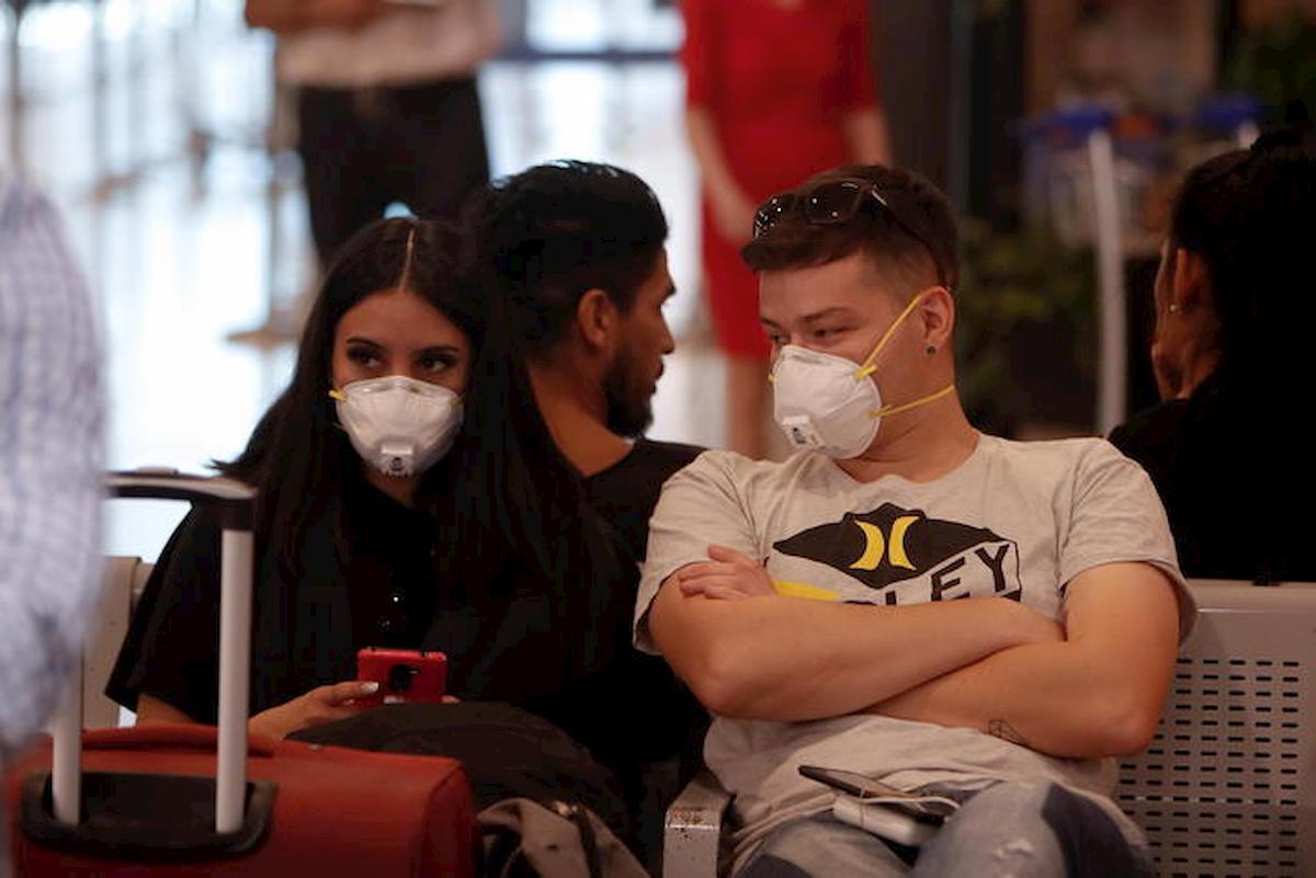 """Coronavirus, 180 italiani bloccati a Buenos Aires da 50 giorni. """"Non abbiamo più soldi né vestiti"""""""