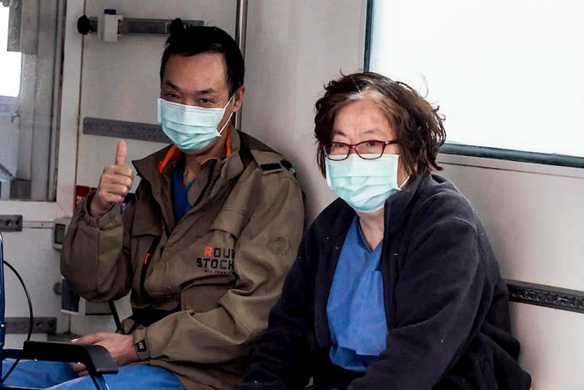 """Coronavirus, la coppia di cinesi dello Spallanzani ha finito la riabilitazione: """"Grazie Italia"""""""