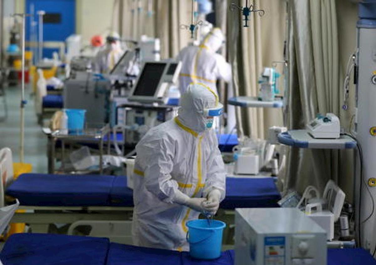 coronavirus virologo ansa