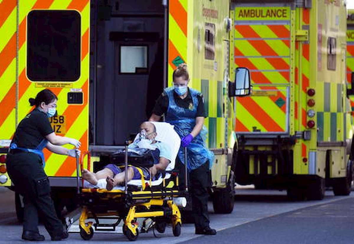 Coronavirus, 41 mila morti veri nel Regno Unito. La stima del Financial Times, più del doppio dei dati ufficiali