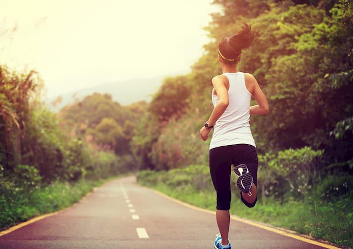 Coronavirus, verso l'ok a sport all'aperto e jogging anche lontano da casa (ma da soli) dopo il 4 maggio