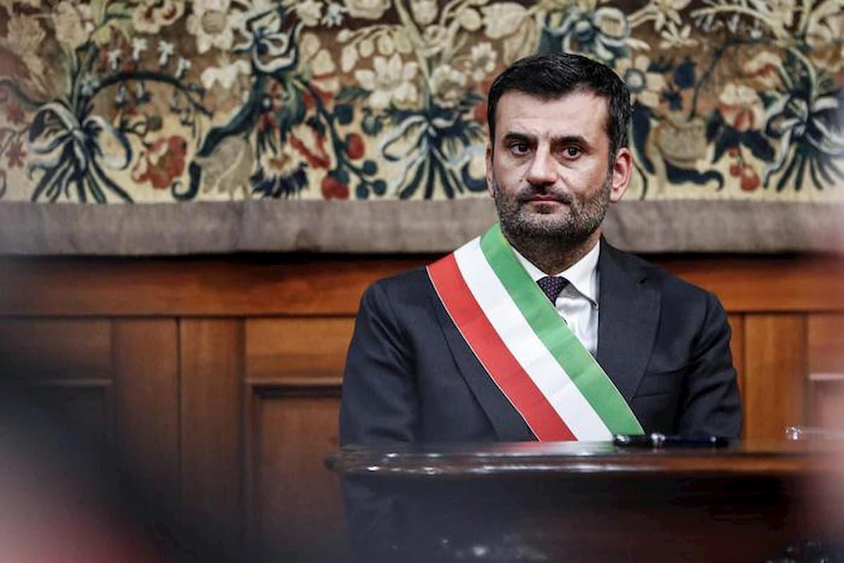 """Coronavirus, il sindaco di Bari lancia la Pasquetta sul balcone: """"Decidiamo insieme cosa preparare"""""""