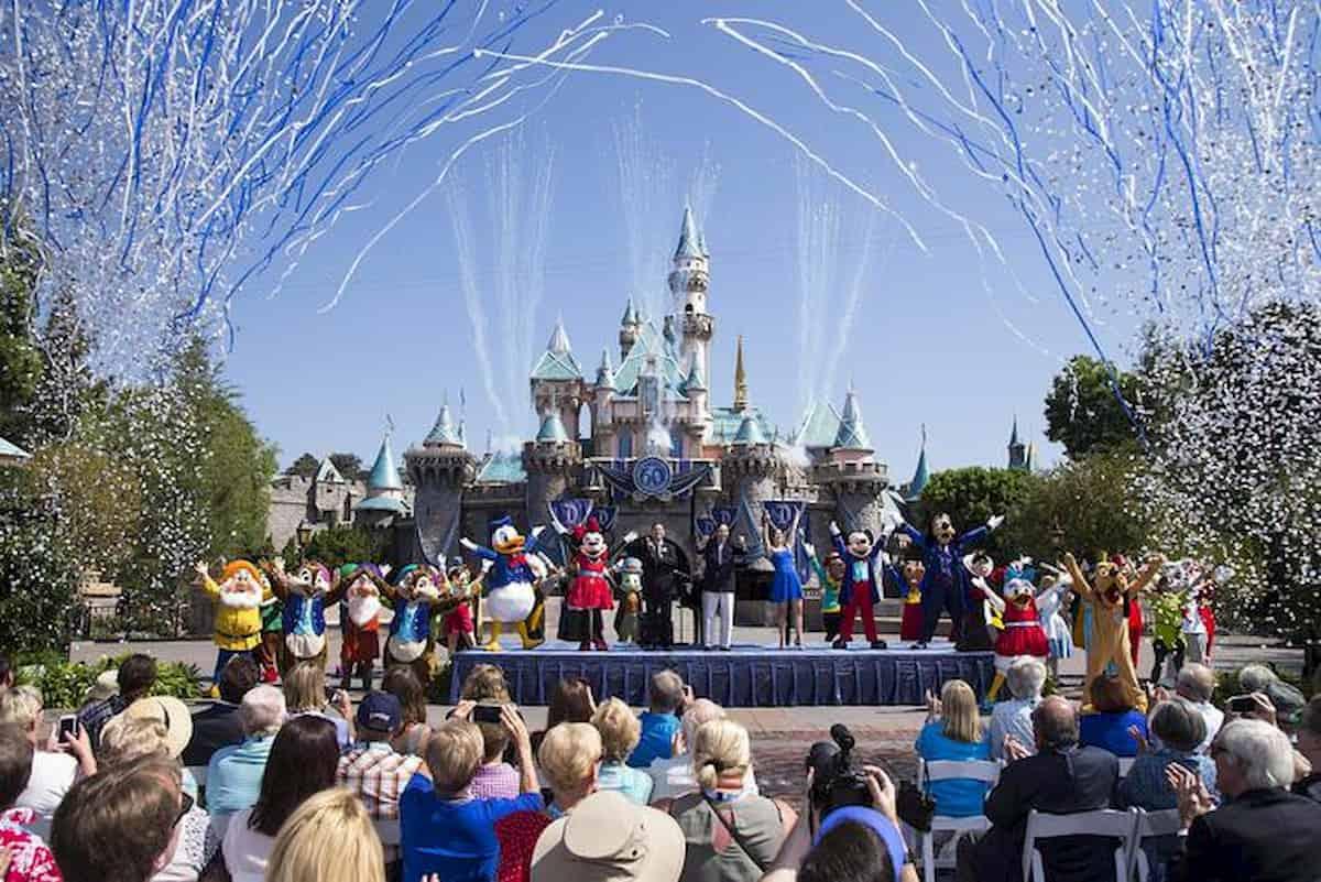 Disney licenzia 43mila addetti: l'odissea dei 200 italiani che non possono tornare a casa
