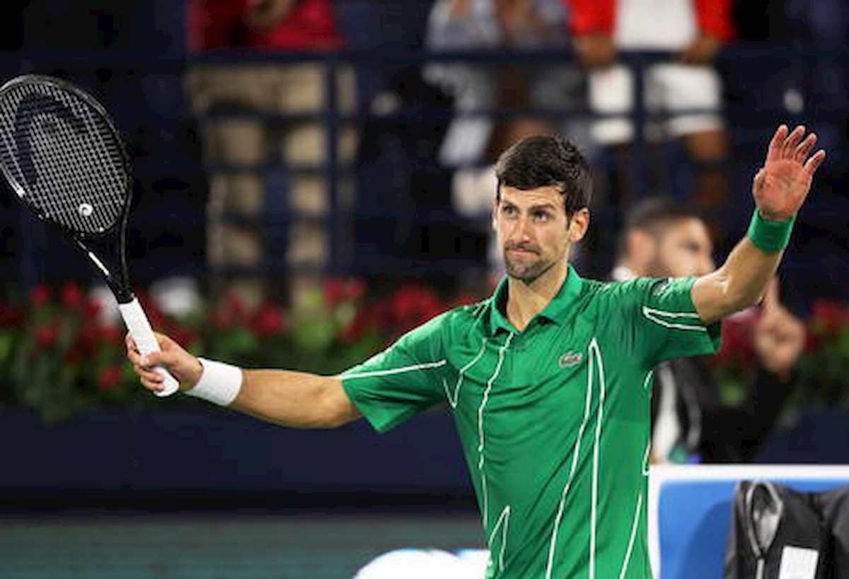 """Coronavirus, vaccino obbligatorio per atleti? Djokovic contrario: """"Potrei non tornare in campo"""""""