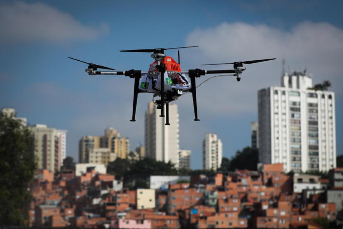 Drone in carcere di Secondigliano per portare telefoni: sequestrato