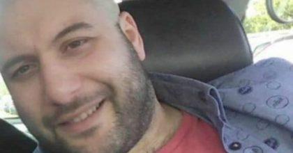 """Emanuele Renzi, morto a 34 anni per coronavirus. Il padre: """"Il suo ultimo messaggio è stato 'ho paura'"""""""