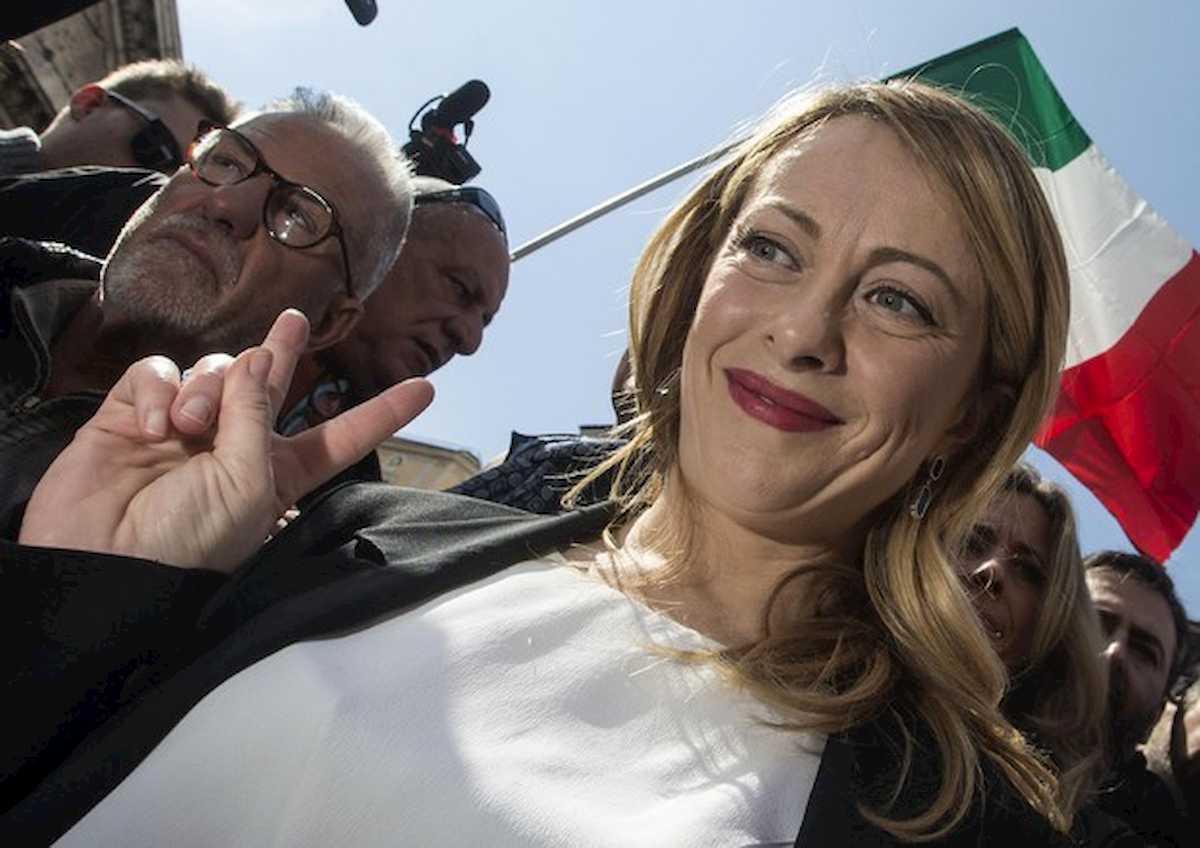 Sondaggio Ispos, Giorgia Meloni la più amata dagli italiani. Di Maio secondo, scavalca Salvini