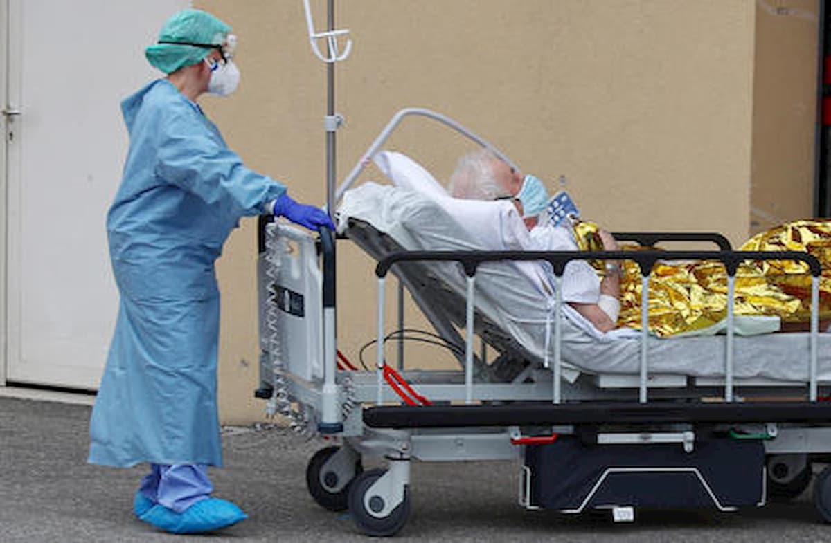 """Coronavirus Lombardia, calano i ricoverati in terapia intensiva. Sala: """"Dati migliori ma siamo ancora in Fase 1"""""""