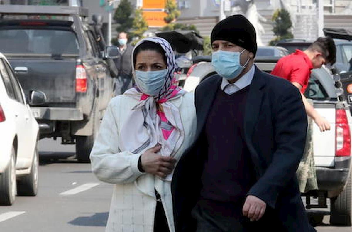 Iran, 729 persone morte per aver bevuto etanolo contro il coronavirus