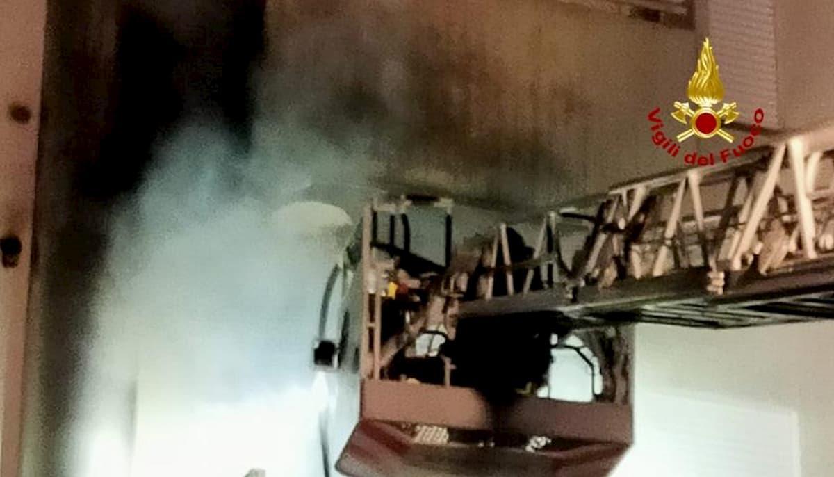 Jesolo, incendio in una palazzina: morto un 65enne