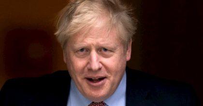 """Coronavirus, Boris Johnson """"non è attaccato ad un ventilatore"""": la precisazione del ministro Gove"""