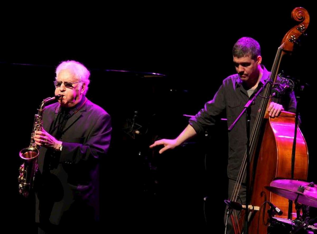 Lee Konitz stroncato dal coronavirus a 92 anni. Con Miles Davis battezzò la nascita del cool jazz