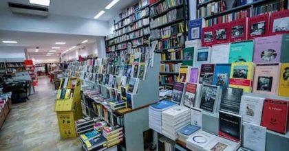 Nuovo Dpcm, le riaperture dal 14 aprile: librerie, negozi di vestiti per bambini...