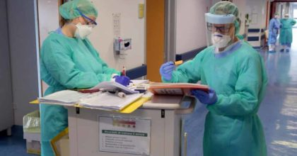 Coronavirus Lombardia, dopo mani pulite ci sarà tamponi puliti? In Procura i primi esposti contro gli ospedali