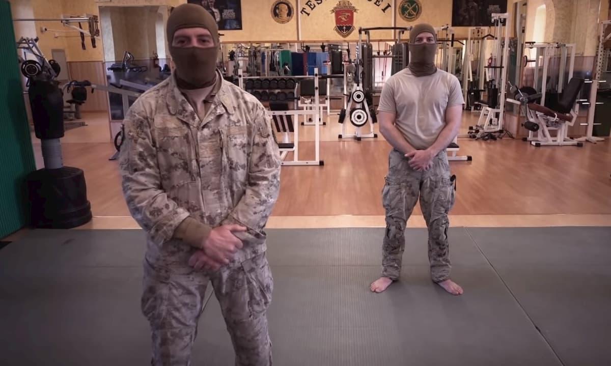 Tenersi in forma a casa con l'allenamento della Marina militare VIDEO