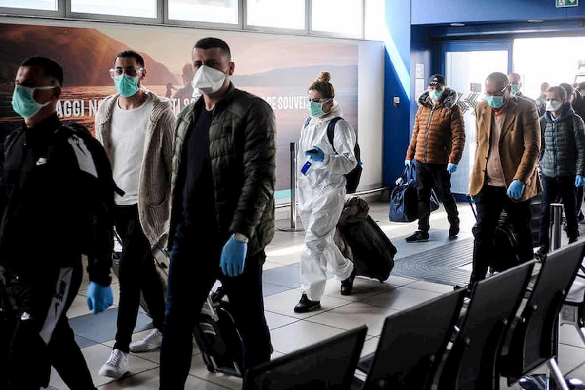 Brescia, medici albanesi festeggiano in hotel la fine della missione: denunciati