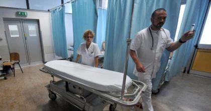 Medici e infermieri: vogliamo lo scudo legale, non l'immunità per i dirigenti. Ritirato emendamento Pd