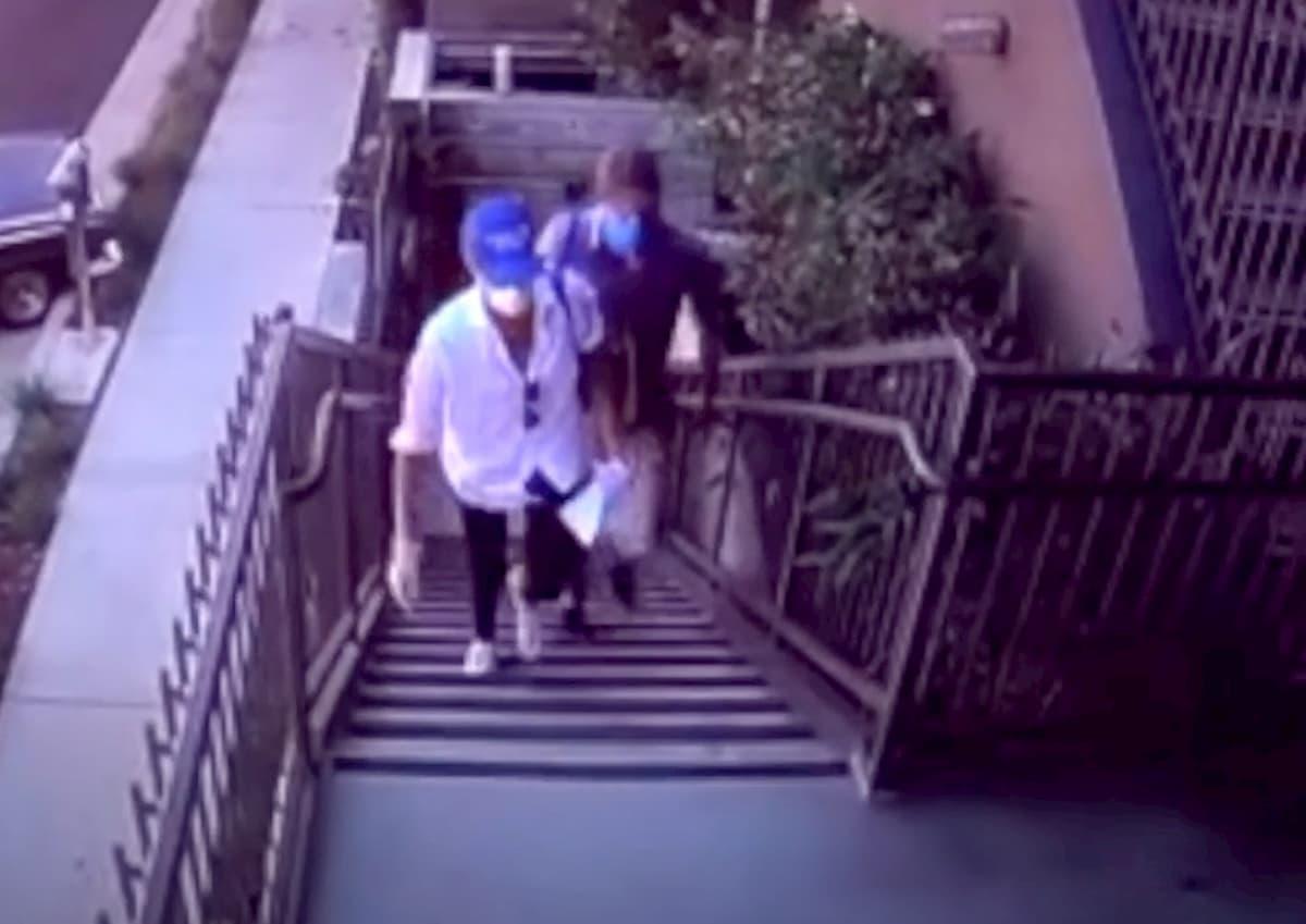 Coronavirus, Meghan Markle e Harry volontari a Los Angeles: consegnano cibo ai malati VIDEO