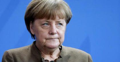 """Merkel, no agli eurobond: """"Ho parlato con Conte, ci sono altre soluzioni"""""""