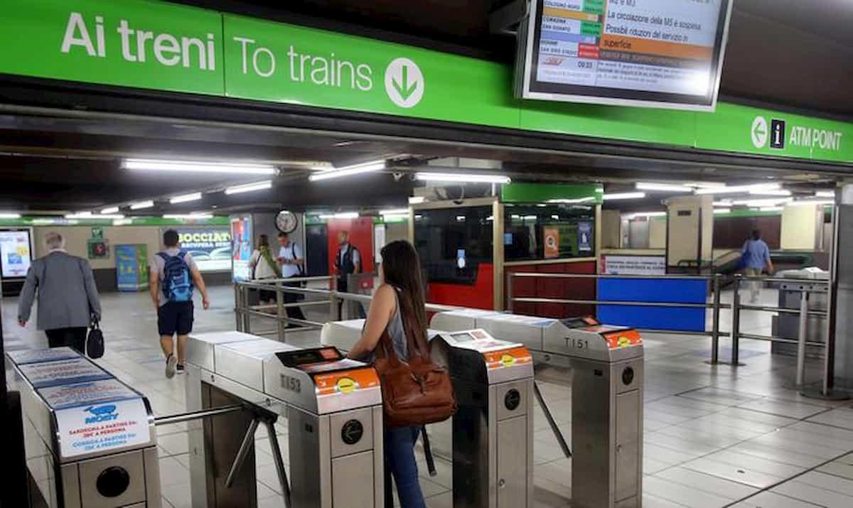 Metro, bus, treni: come si viaggerà dal 4 maggio. Seduti in modo alternato, corse a numero chiuso...