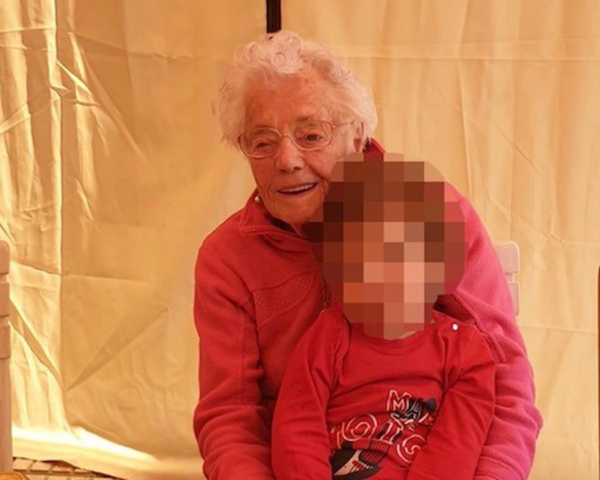 Coronavirus: nonna Nina guarisce a 102 anni, lo stesso giorno del nipotino di 2