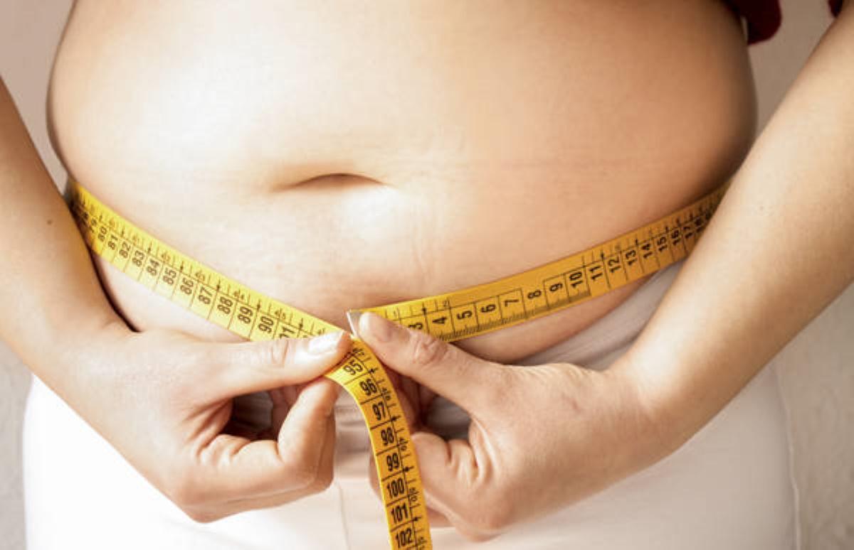Coronavirus obesità ed età avanzata fattori rischio peggio del fumo