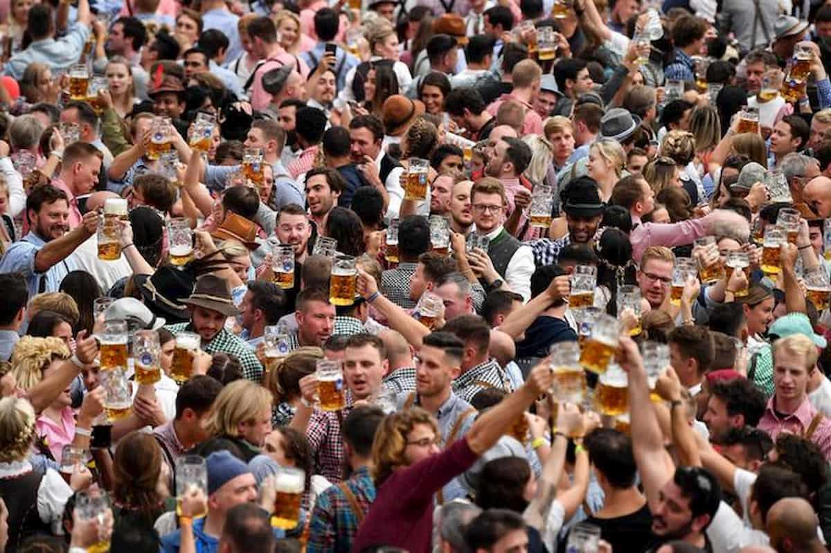 La fase 2 degli altri. Ok Danimarca assembramenti 500 persone a maggio. Boris Johnson il più cauto