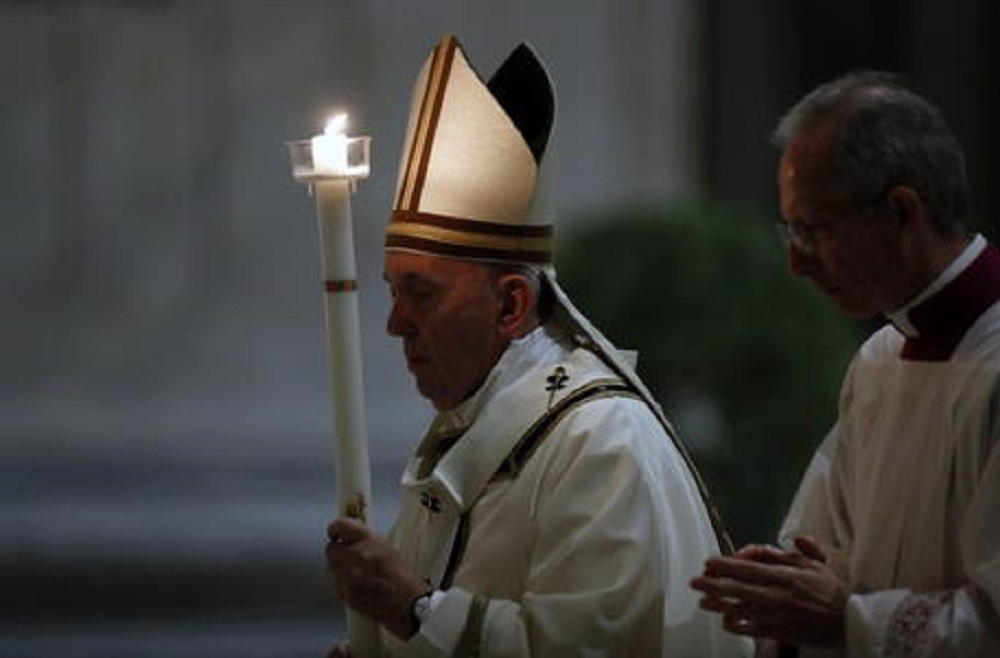 """Papa Francesco rinuncia al rito del """"Resurrexit"""" per adeguare la Pasqua al momento difficile"""