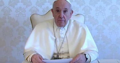 papa francesco in collegamento con rai 1