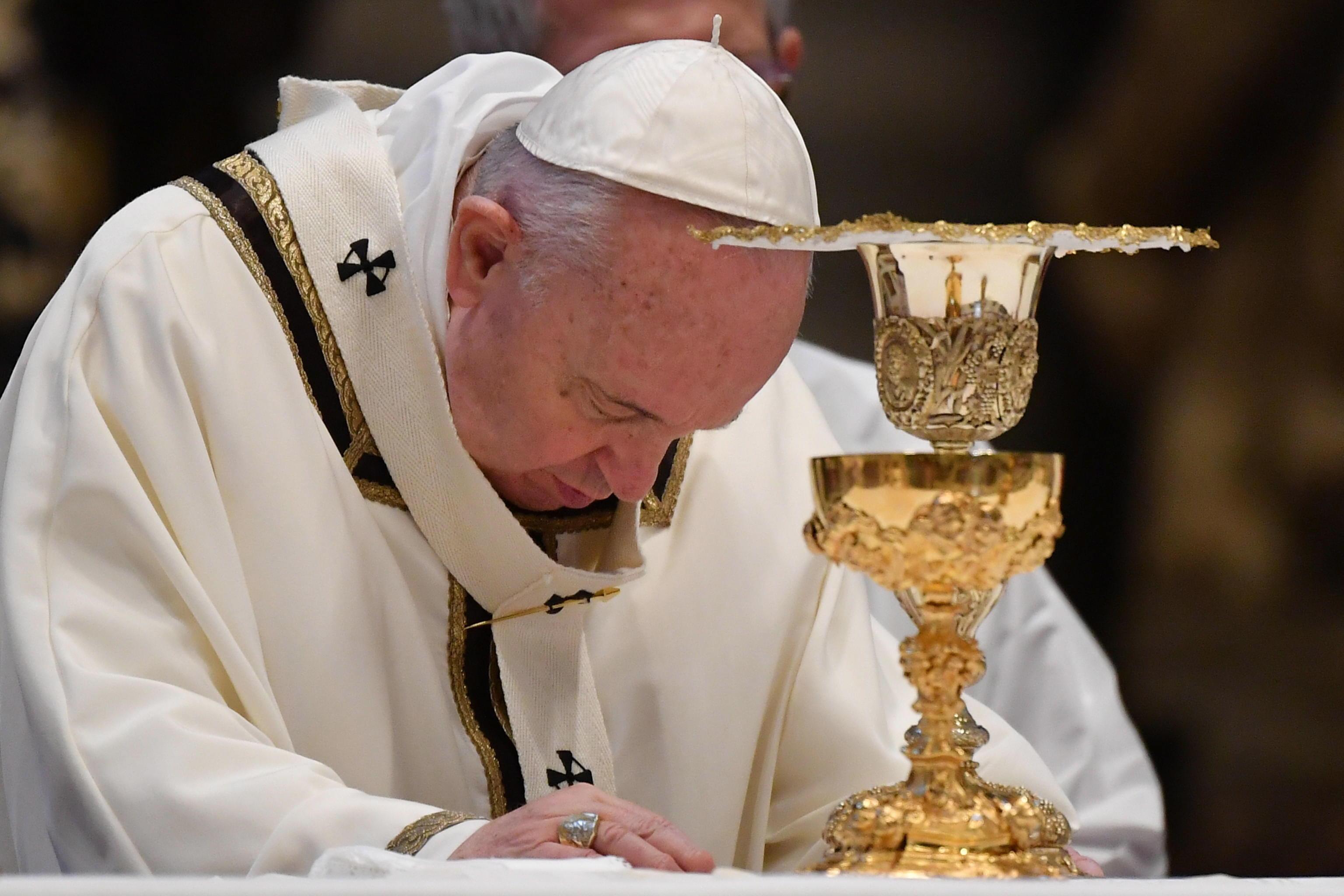 """Papa Francesco messa di Pasqua: """"Serve contagio di speranza e favorire ripresa delle attività"""""""