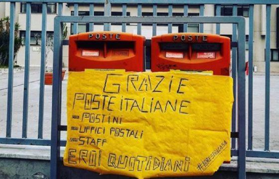 Coronavirus Poste Italiane, i messaggi di speranza dei dipendenti. Foto e video dai social