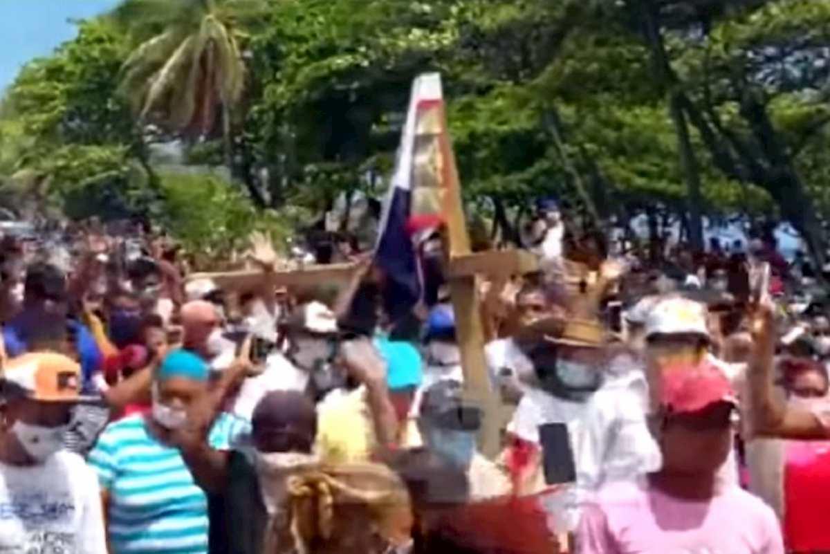processione a santo domingo