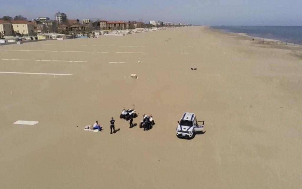 rimini polizia locale controli spiaggia